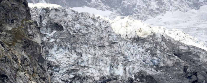Entire Alpine Glacier might collapse any moment, and people are being evacuated