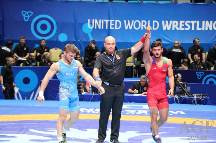 Azerbaijani wrestler enters quarter finals of World Championship in Kazakhstan