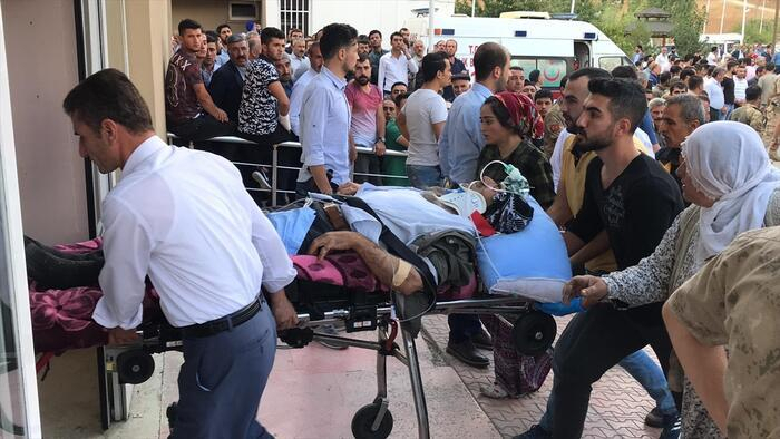 Türkiyədə mikroavtobus aşıb, 10 nəfər ölüb