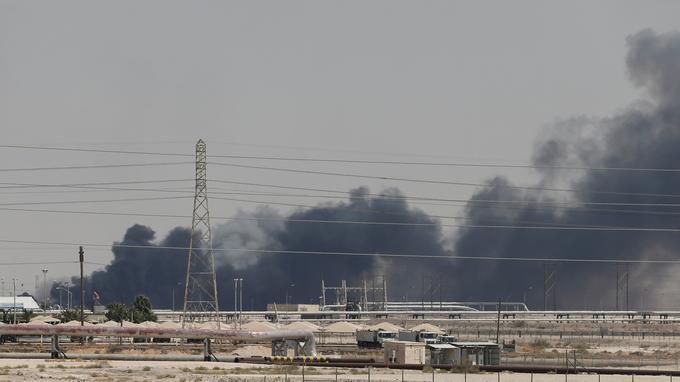 La production de pétrole saoudienne temporairement réduite de moitié