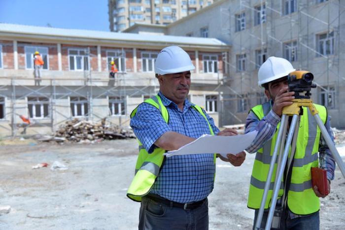 """""""Ölkədə təmir olunacaq 500-600 məktəb qalıb"""" - Komitə sədri"""