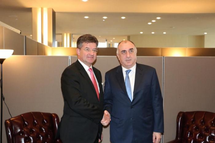 Azerbaijani FM meets Slovak counterpart