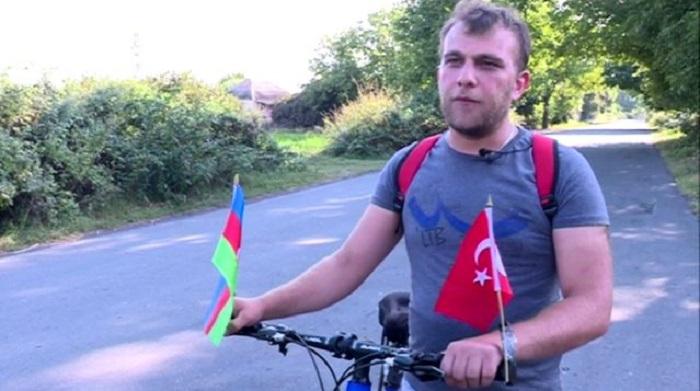 Ərdoğanı görmək üçün Zaqataladan Ankaraya velosipedlə yola düşdü - VİDEO