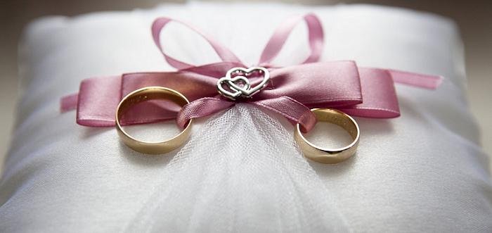 USA: une salle de mariage refuse un couple mixte pour raison religieuse