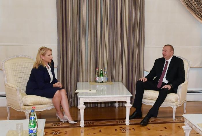 الرئيس يستقبل الوزيرة الجورجية