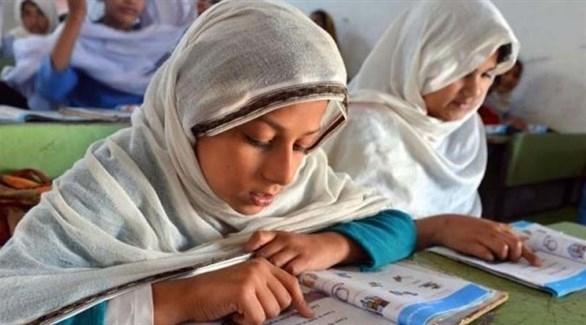 باكستان تسحب قراراً يوجب ارتداء التلميذات الحجاب