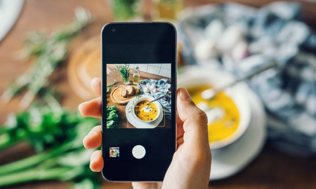 Instagram tightens rules on diet and cosmetic surgery posts