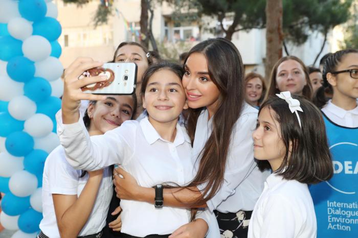 """Leyla Əliyeva """"Bizim həyət""""in açılışında - FOTO"""