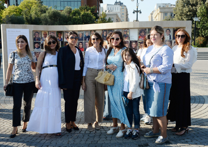Leyla Əliyeva bulvarda sərgi açılışında - FOTOLAR
