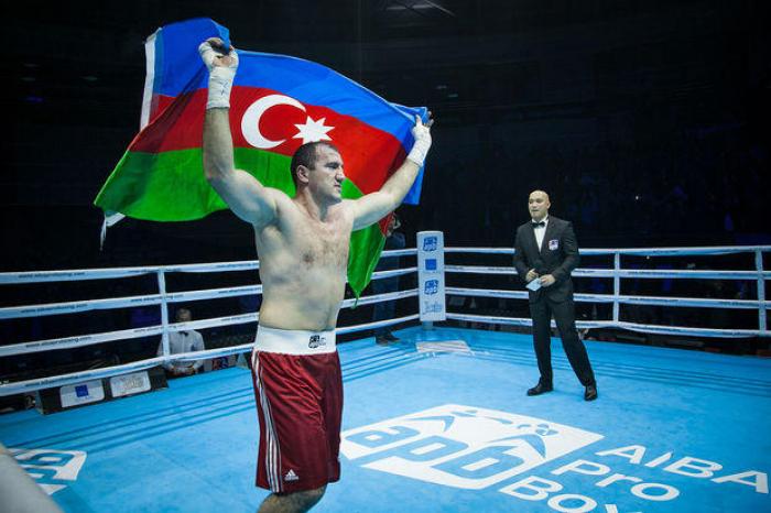 Azerbaijani boxer wins in first fight in New York
