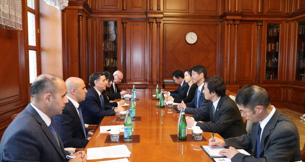Prime Minister Novruz Mammadov meets with Japanese parliamentary vice-minister for foreign affairs