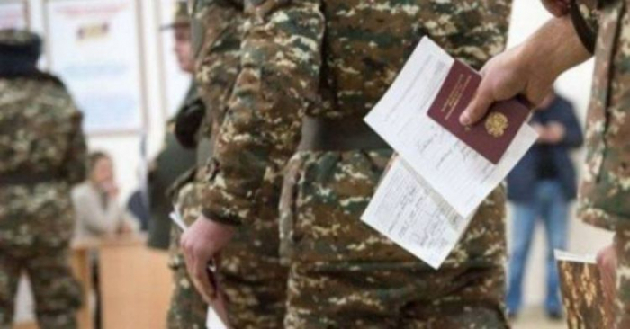 Ermənistan ordusunda rüşvət faktı - İki zabitə cinayət işi açıldı