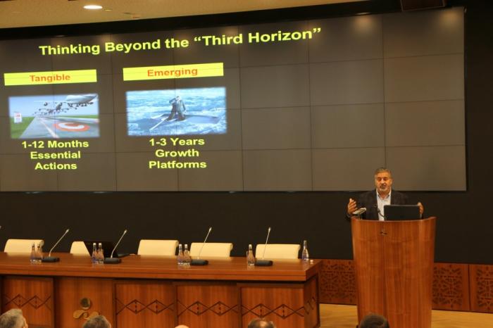Global futurist Rohit Talwar makes presentation at SOFAZ