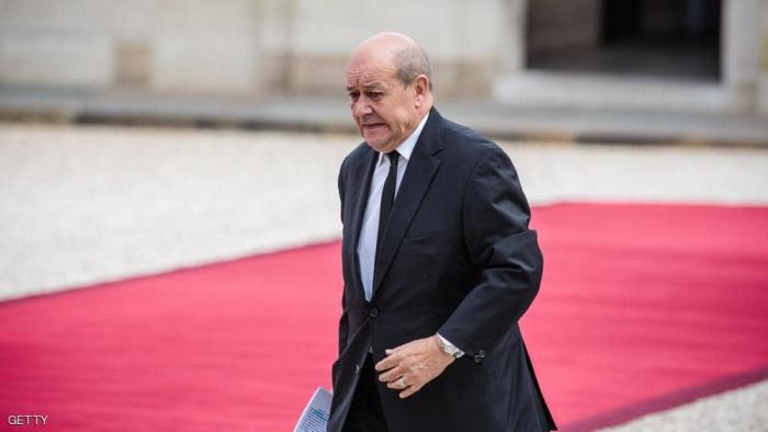 فرنسا.. عائلات نساء وأطفال محتجزين بسوريا تشكو وزير الخارجية