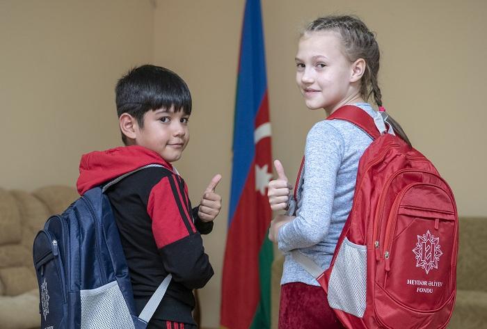 هدية إلى 17000 طفل من مؤسسة حيدر علييف -   صور