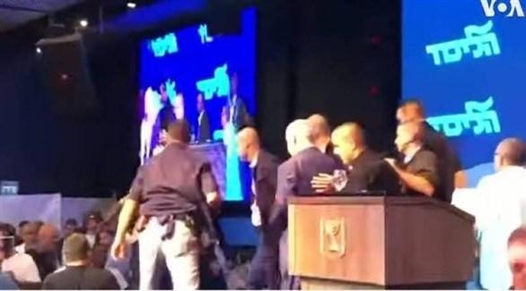 نتانياهو يترك المنصة أثناء تجمع انتخابي بسبب إنذار من هجوم محتمل