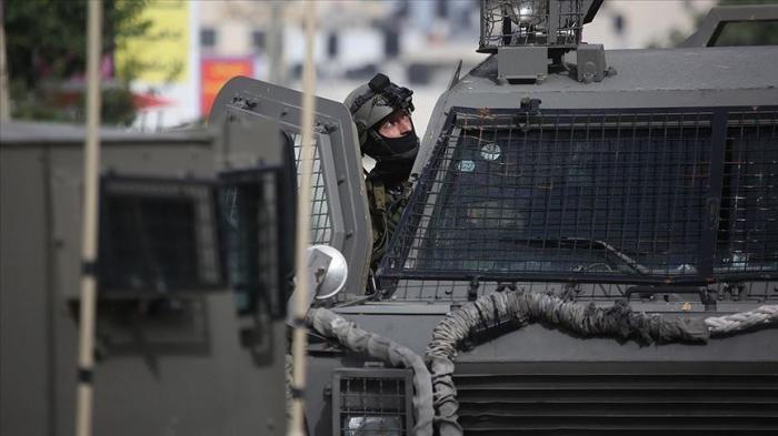 Israel arrests Palestine