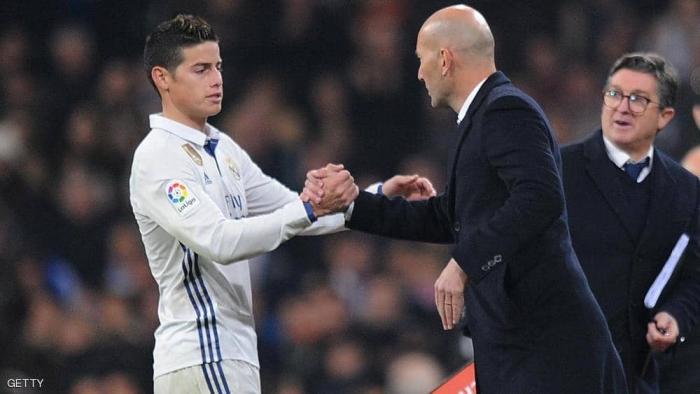 """بـ""""رسالة قصيرة"""".. خاميس رودريغيز يشعل أجواء ريال مدريد"""