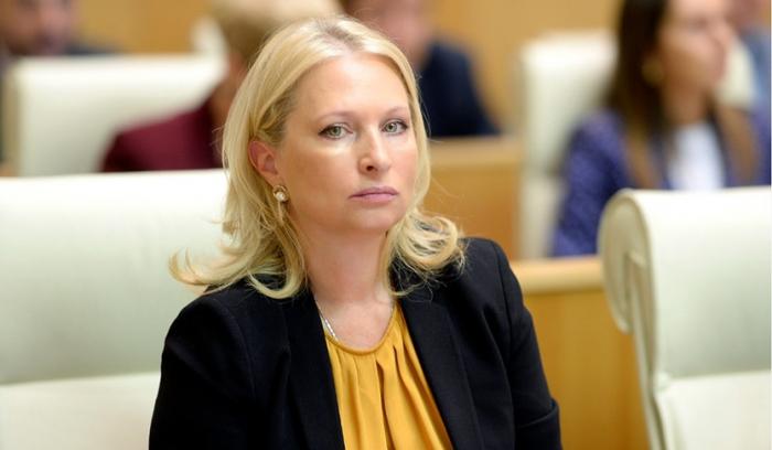 الوزيرة الجورجية تصل إلى باكو لإجراء محادثات