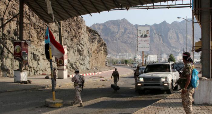 """الجيش اليمني يتهم """"أنصار الله"""" بعرقلة تثبيت نقاط مراقبة في الحديدة"""