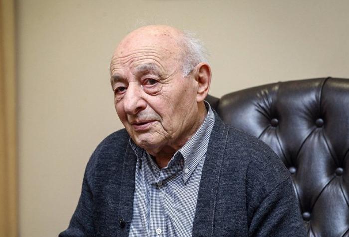 """""""İstefa vermək istəyirdim, kollektiv qoymadı"""" - 92 yaşlı rektor"""