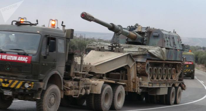 تركيا تواصل حشد قواتها على الحدود السورية