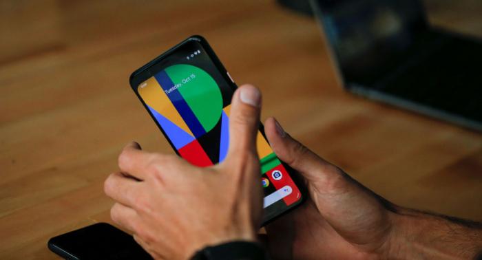 غوغل تعرض هواتفها الحديثة بطريقة مفاجئة... فيديو وصور