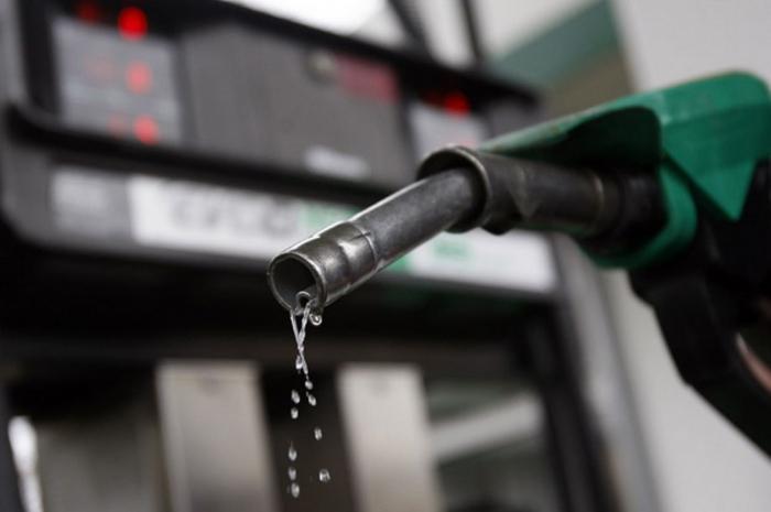 Paytaxtda benzin istehsalı artıb