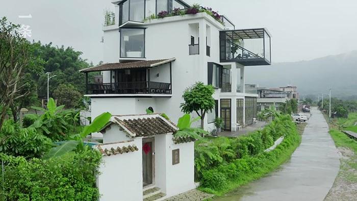 Sept amies ont construit une villa pour vivre ensemble une fois retraitées !