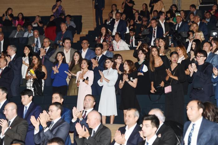 Birinci vitse-prezident Nəsimi Festivalının bağlanış mərasimində - FOTOLAR