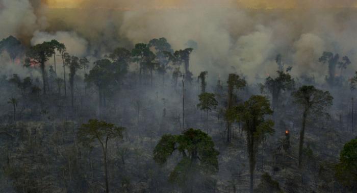 La Amazonía brasileña sigue en llamas mientras que la paz llega a Bolivia y a Paraguay