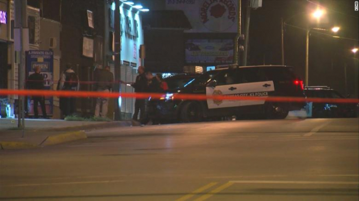Four killed in shooting at bar in Kansas City