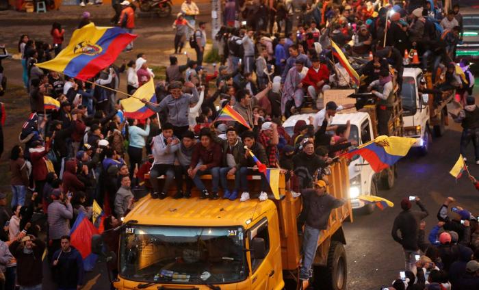Lenín Moreno traslada el Gobierno de Ecuador a Guayaquil acechado por una gran marcha indígena