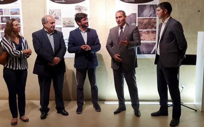 El arte rupestre de Gobustán se exhibe en Portugal