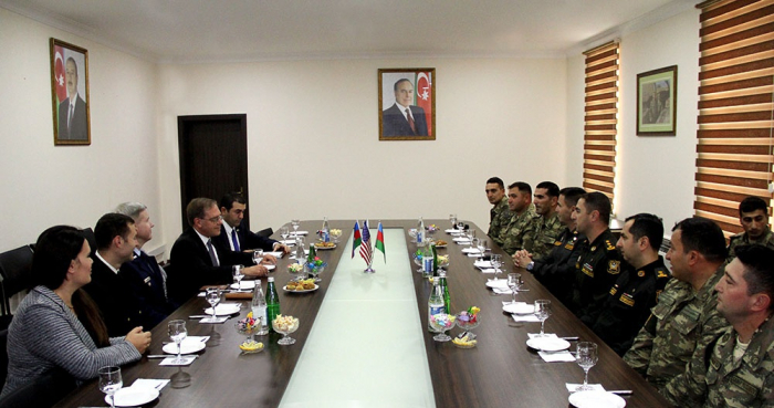 US ambassador meets Azerbaijani servicemen who participated in Saber Junction - 19 exercises