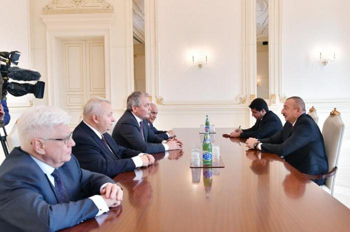 La delegación rusa, en la recepción de Ilham Aliyev