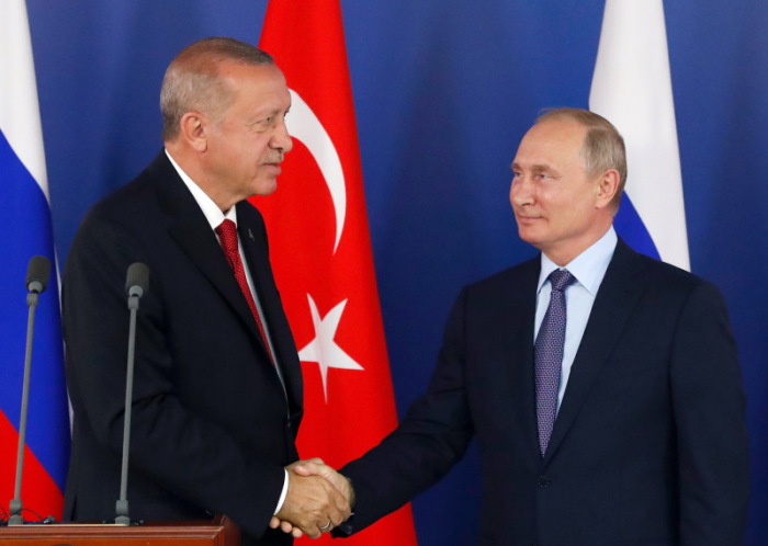 Turkish, Russian presidents discuss possible Syria op.