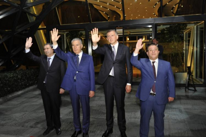 Le Premier ministre géorgien achève sa visite officielle à Bakou