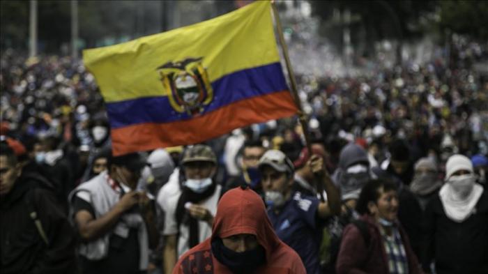 Presidentes ecuatorianos que dimitieron en los últimos 25 años debido a protestas civiles