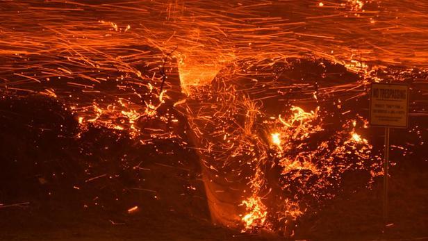Incendies en Californie:   un mort, des milliers d