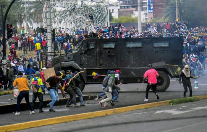 Equateur: de nouveaux heurts éclatent à Quito entre manifestants et police