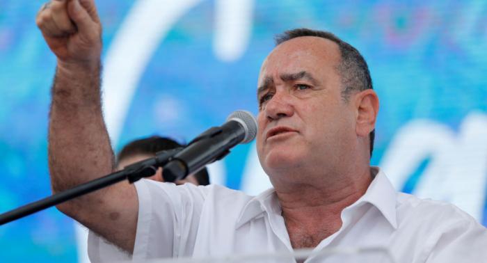 Venezuela declara inadmisible la entrada del presidente electo de Guatemala