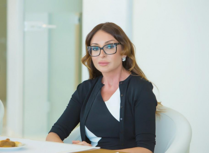 First VP Mehriban Aliyeva congratulates young chess player on his victory