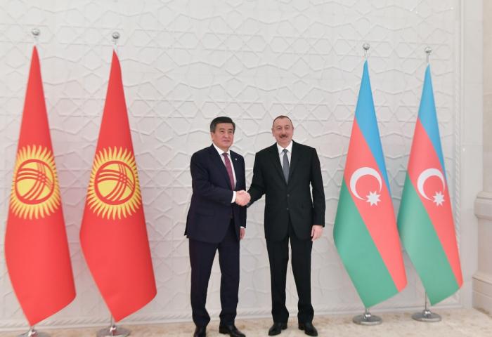 Le président Ilham Aliyev reçoit son homologue kirghiz Sooronbay Jeenbekov
