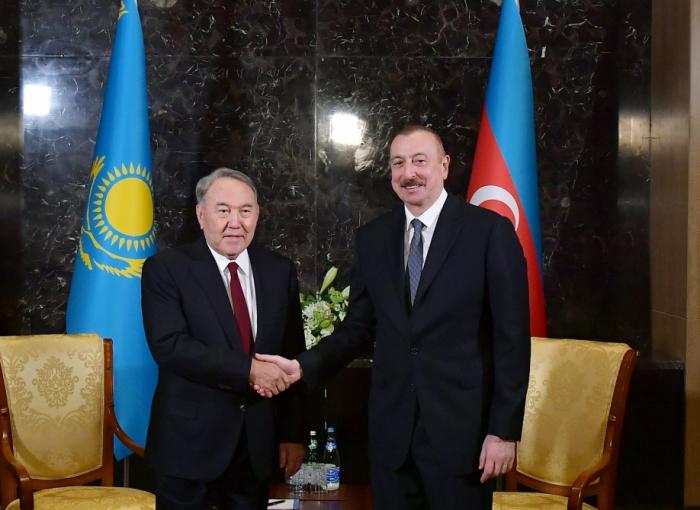 İlham Əliyev Nursultan Nazarbayevlə görüşüb - FOTO