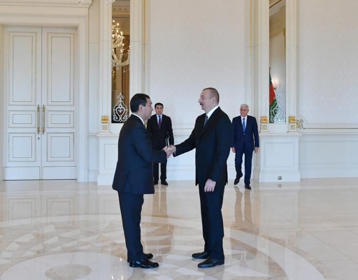 Prezident Qazaxıstanın yeni səfirini qəbul etdi — FOTOLAR