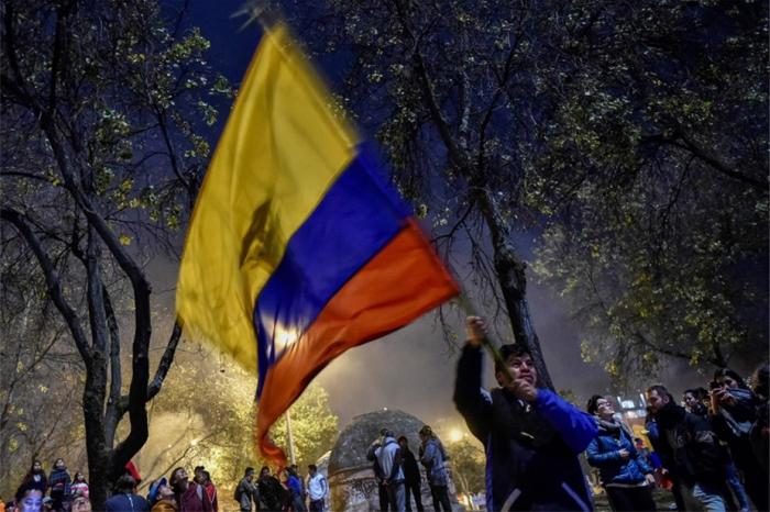 Equateur: joie dans les rues de Quito pour célébrer la fin de la crise