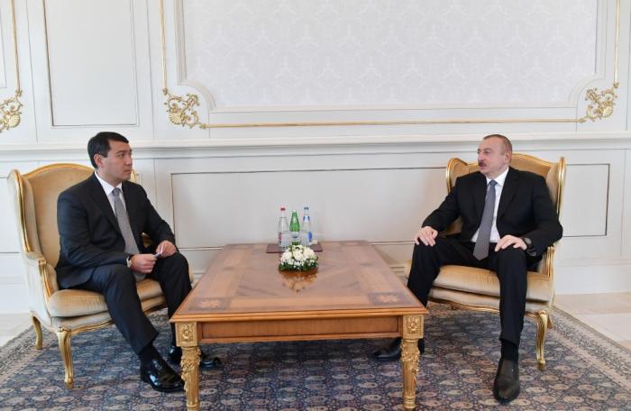 Azerbaijani president receivescredentials of incoming Kazakh ambassador
