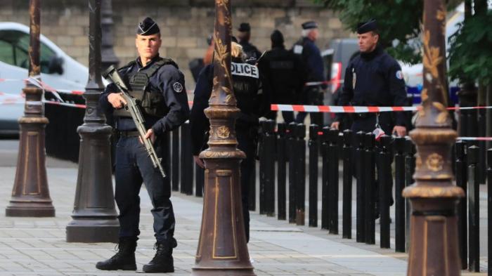 Polizei nimmtmehrere Personen aus Umfeld des Angreifers fest