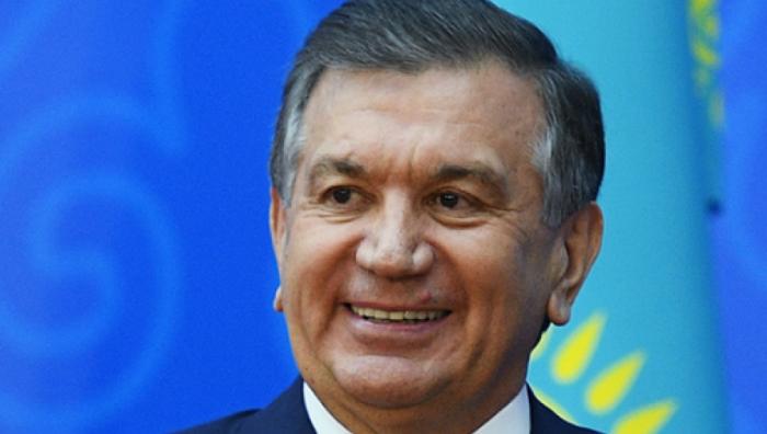 Usbekischer Präsident kommt in Aserbaidschan an
